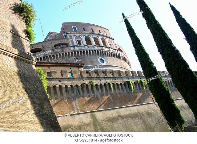 Castel Sant'Angelo, Castle of the Holy Angel, Mausoleum of Hadrian, Rome, Lazio, Italy, Europe