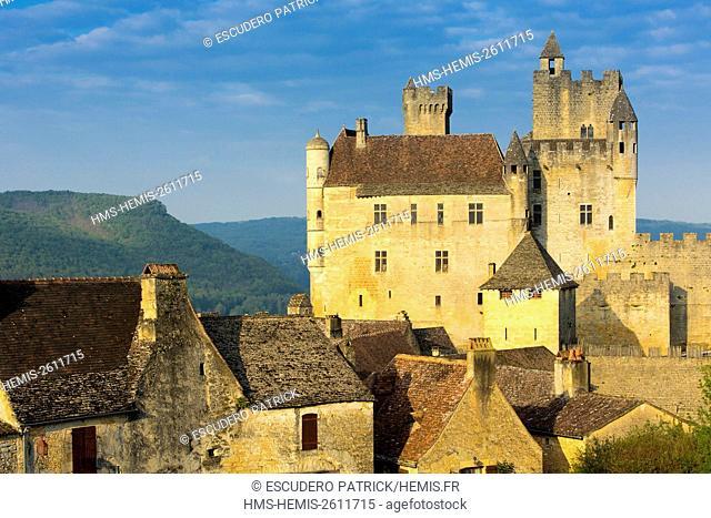 France, Dordogne, Perigord Noir, Dordogne Valley, Beynac et Cazenac labelled One of The Most Beautiful Villages of France
