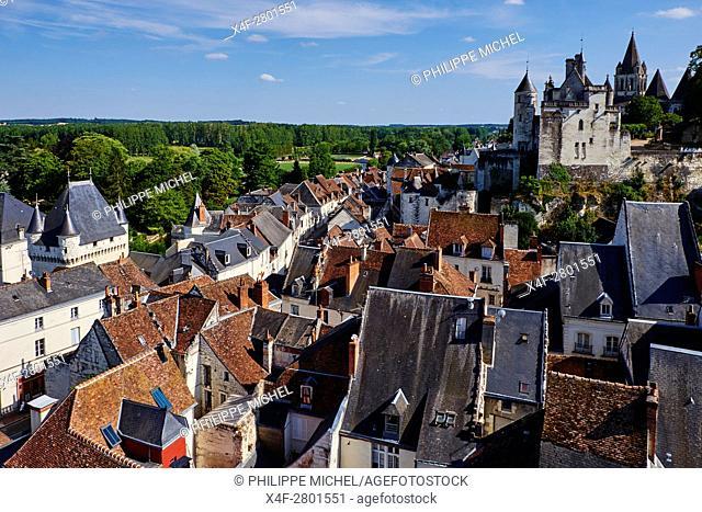 France, Indre-et-Loire (37), Loches, la cité médiévale, le Logis Royal et le chateau, Eglise St-Ours, vieille ville / France, Indre-et-Loire (37), Loches