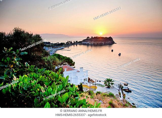 Turkey, Aegean, Izmir Region, Aydin Province, Kusadasi, Güvercinada Peninsula