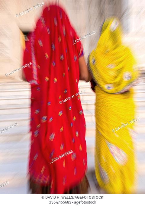 Women in sari, Jaipur, Rajasthan, India