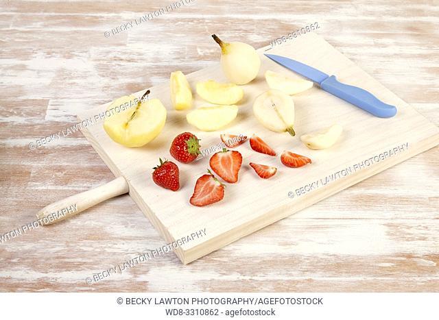como preparar macedonia de frutas. parte de una serie: 2/5