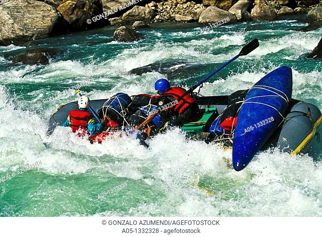 Expedition in Himalayas  Expedition in Tamur river  Rafting NEPAL