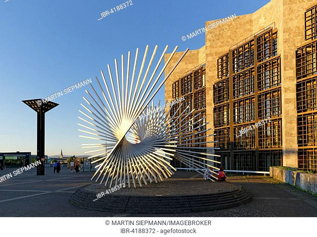 Sculpture Vitality by Andreu Alfaro and city hall, Jockel-Fuchs-Platz square, Mainz, Rhineland-Palatinate, Germany