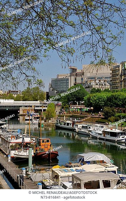 Port de l'Arsenal between Boulevard de la Bastille and Boulevard Bourdon, Paris, France
