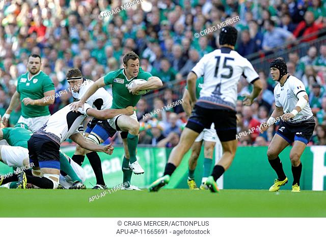 2015 Rugby World Cup Ireland v Romania Sep 27th. 27.09.2015. London, England. Rugby World Cup. Ireland versus Romania. Ireland winger Tommy Bowe tries to break...