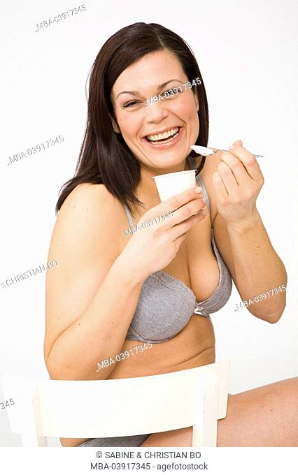 woman, brunette, underwear, yogurt, portrait, eating series, people, woman-portrait, 30-40 years, bra long-haired, cozy, overweight, nutrition, healthy, diet