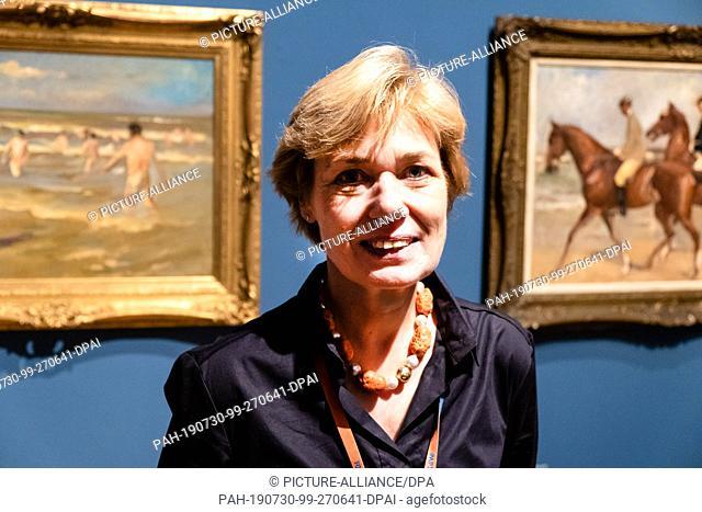 30 July 2019, Schleswig-Holstein, Alkersum: Ulrike Wolff-Thomsen, director of the Museum Kunst der Westküste (MKdW), looks into the camera
