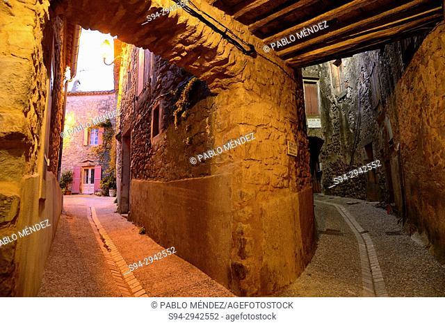 Passage in old town to the spiral town of Aigne, Minerve, Languedoc-Roussillon, France