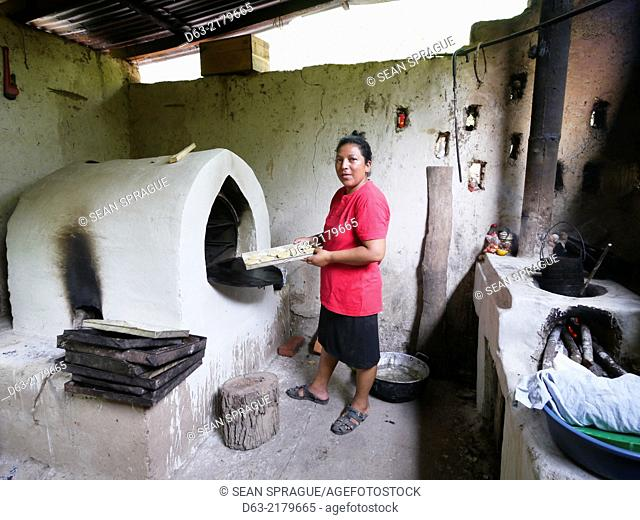 Nicaragua. FEDICAMP projects. House of Alba Nubia Gonzales Vallecillo (36), single mother with one daughter aged 10. Riita community