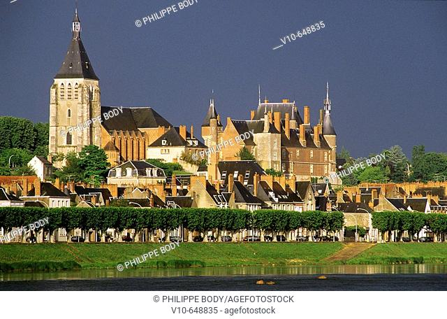 Castle of Gien, built in 15 th. century, in front the Loire river, Loiret province, France