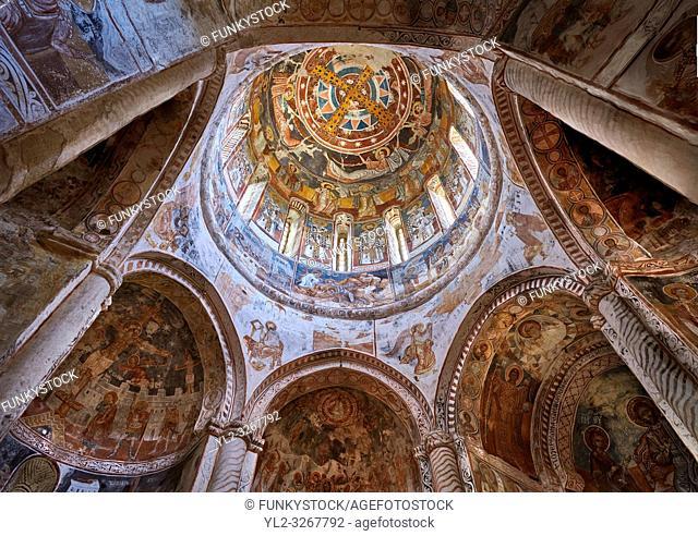 Pictures & images of Nikortsminda ( Nicortsminda ) St Nicholas Georgian Orthodox Cathedral rich interior frescoes of the cupola dome, 16th century, Nikortsminda