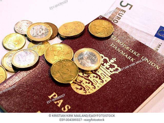Pocket money and european passeport