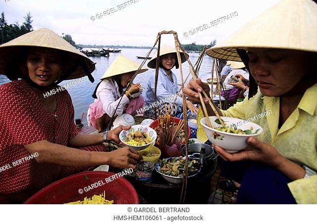 Vietnam, central coast, Hoi An, breakfat at the market