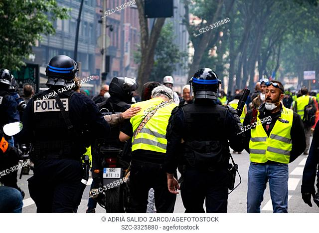 June 15, 2019 - Act 31 of the Gilets Jaunes de Toulouse. This evening, on the city center have been violent encounters between the manifestants and the police