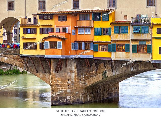 Architectural detail of the Ponte Vecchio and the River Arno, Centro Storico, Poggio Imperiale, Firenze, Tuscany, Italy