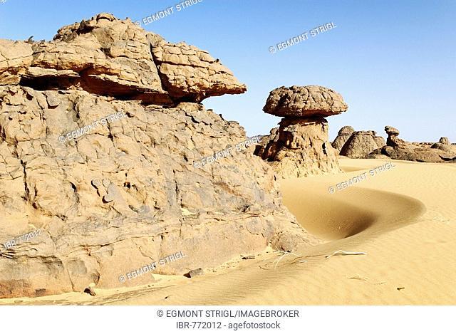 Rock formations, Youf Ahakit, Tassili du Hoggar, Wilaya Tamanrasset, Algeria, North Africa, Africa
