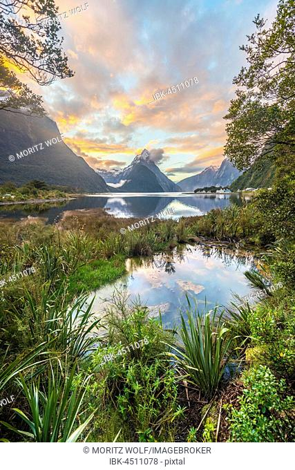 Mitre Peak, Sunset, Milford Sound, Fiordland National Park, Te Anau, Southland Region, Southland, New Zealand, Oceania
