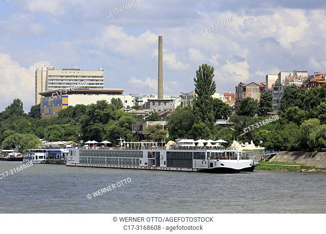 Russe, Rousse, Ruse, Bulgaria, Northern Bulgaria, Ruse at the Danube, Rousse, Russe, Danube lowlands, city view, Danube bank, shipping pier, excursion ship