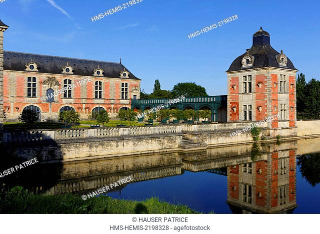 France, Vienne, La Mothe Saint Heray, Orangery, two storey building of stone and brick in Louis XIII style, built from 1632 to 1634 by Nicolas Tillon