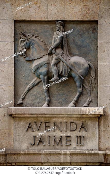 relieve de Jaime III de Mallorca, el Temerario (Catania, Sicilia, 1315 - Lluchmayor, Mallorca, 1349). , Avda Jaime III de Palma, Majorca, Balearic Islands