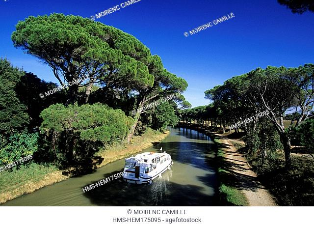 France, Herault, Canal du Midi near Capestang