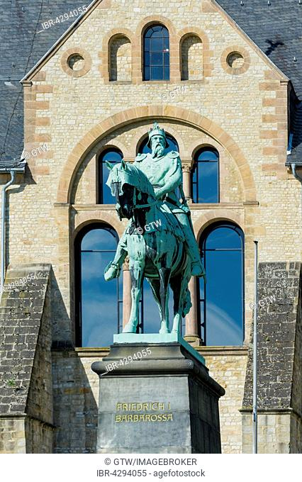 Equestrian statue of Emperor Frederick Barbarossa, Imperial Palace, Kaiserpfalz, UNESCO World Heritage Site, Goslar, Harz, Lower Saxony, Germany