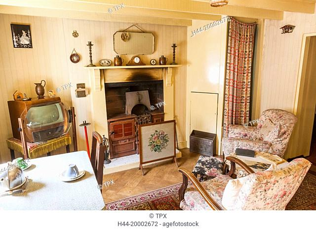 Wales, Cardiff, St Fagan's, Museum of Welsh Life, Interior display of 1950's Cottage Living Room