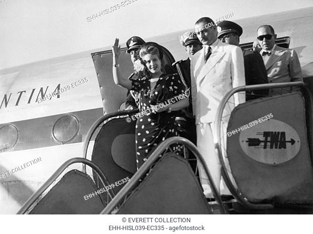 Evita Peron, arriving in Rome on June 26, 1947. She is escorted by her brother Juancito Duarte. - (BSLOC-2014-17-68)