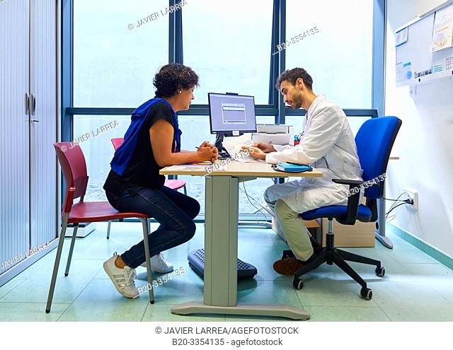 Doctor, attending to a patient, Medical consultation, Primary care, Egia Health Center, Donostia, San Sebastian, Gipuzkoa, Basque Country, Spain