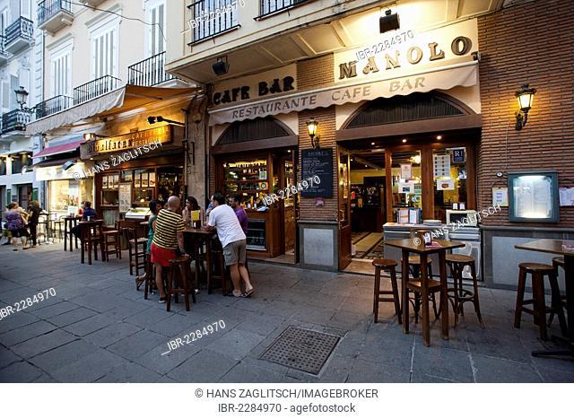 Tapas bar, restaurant in the Realejo quarter, city of Granada, Andalusia, Spain, Europe