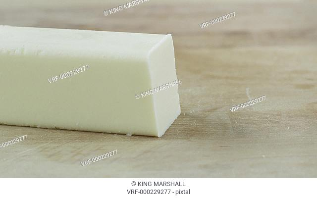 CU Hand slicing butter