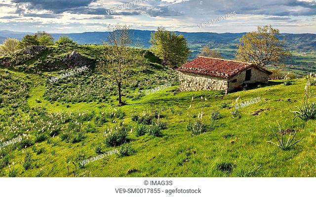 Cabin in Sierra de Peñamayor, Nava, Asturias, Spain