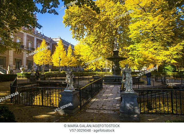 La Isla Garden in Autumn. Aranjuez, Madrid province, Spain
