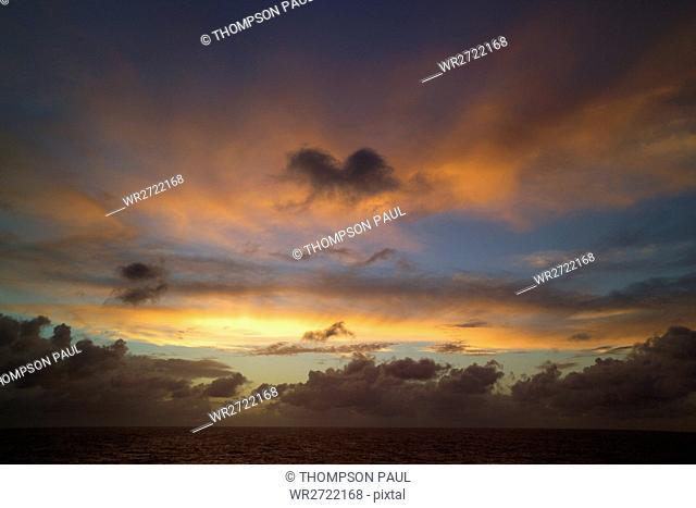 90900165, sky, sea, cloud, clouds, horizon, scene