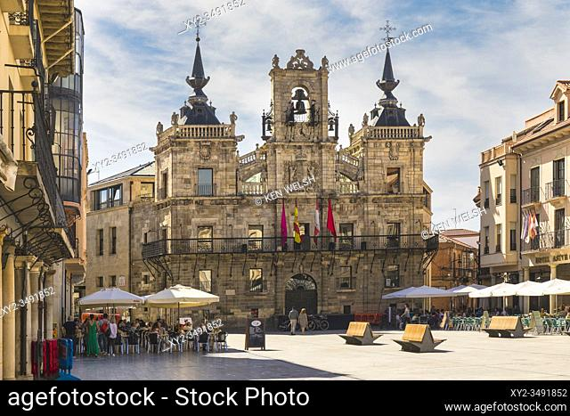 Astorga, Leon Province, Castile and Leon, Spain. The 17th century town hall in the Plaza Mayor. The town hall square is partly built over the ancient Roman...