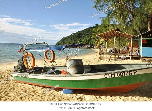 Tioman (Malaysia): boat at Salang Beach