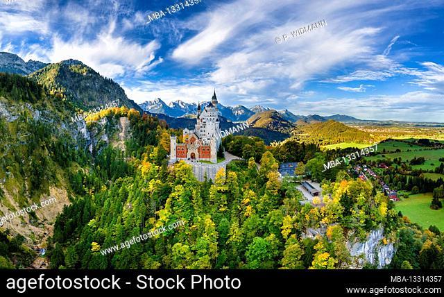 Neuschwanstein Castle, Schwangau near Füssen, Swabia, Bavaria, Germany, Europe
