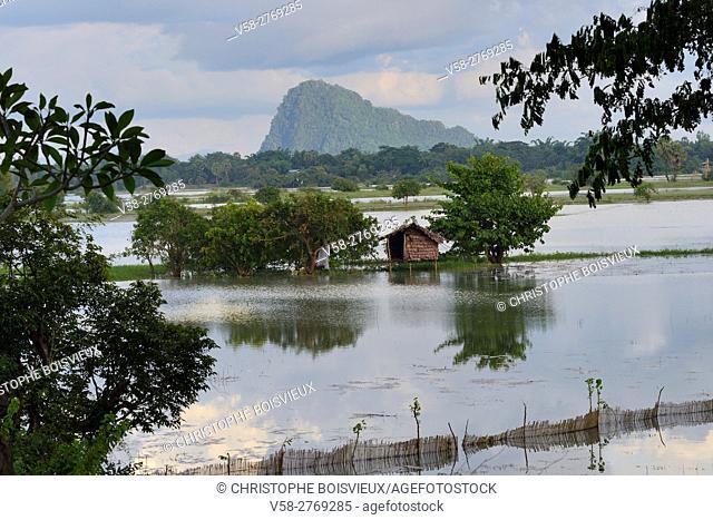 Myanmar, Kayin (Karen) State, Hpa-An, Flooded paddy fields near Saddar cave