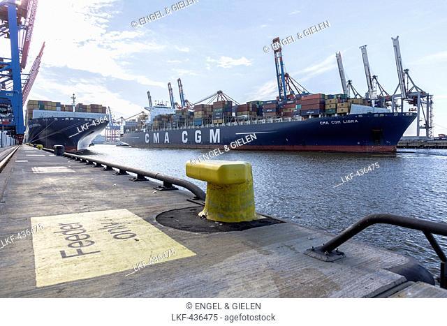 Container ship moored in the container terminal Burchardkai in Hamburg, Burchardkai, Hamburg, Germany