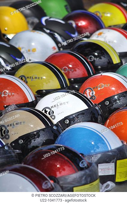 Can Tho (Vietnam): helmets sold in the street