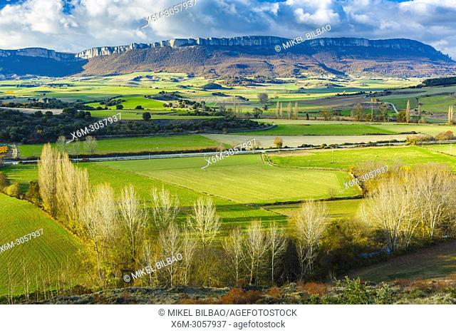 Loquiz mountain range. Tierra Estella county, Navarre, Spain, Europe