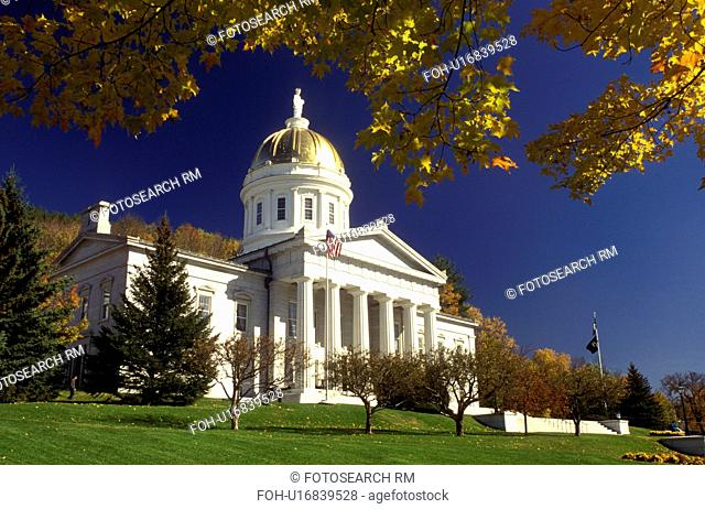 Vermont, Montpelier, The majestic State House in Montpelier is framed with golden maple leaves