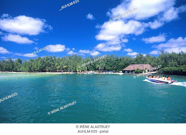 Mauritius - East Region - Ile aux Cerfs - landscape