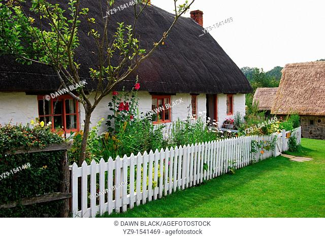 Ryedale Museum White Thatched Cottage, Hutton-le-Hole, Yorkshire, England