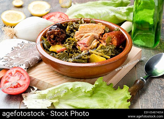 The Asturian pot, also called potaxe de berces or simply potaxe, is the most traditional stew in Asturian cuisine. It is a great-tasting dish that is usually...