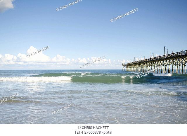USA, North Carolina, Topsail island, Surf City, Seascape with pier