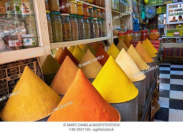 Africa, Morocco, Marrakech spyces on market
