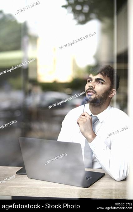 businessman with laptop and idea