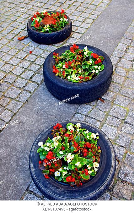 car tires with flowers, Temps de Flors 2018, Girona, Catalonia, Spain